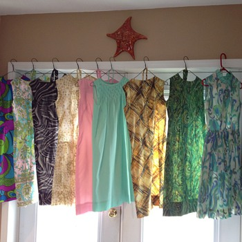 Vintage dresses a-go-go! - Womens Clothing
