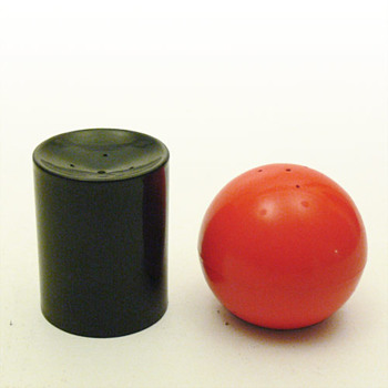 Salt and pepper shakers (Spain, 1960s)