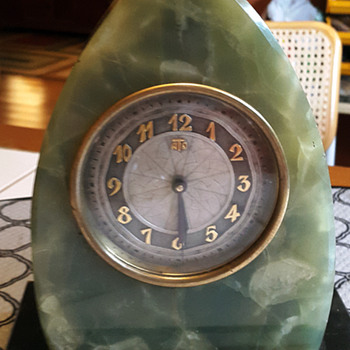 1929 Green and Black Onyx ATO Mantle or Shelf Clock - Clocks