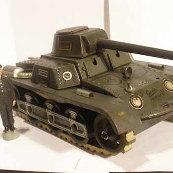 Gescha post war Tank. Tin windup. - Model Cars