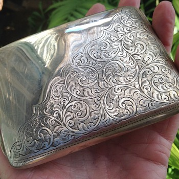 Robert Pringle & Sons Solid Silver Cigarette Case - Tobacciana