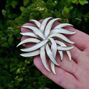 Trifari Stylized Flower Pin - Costume Jewelry