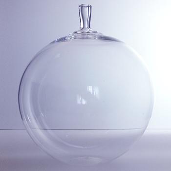 Ingeborg Lundin's ÄPPLET, Orrefors, 1955 - Art Glass