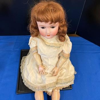 Heinrich Handwerck doll - Dolls