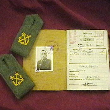 WW II German Kriegsmarine (Navy) Paybook, & Faces of War - Military and Wartime