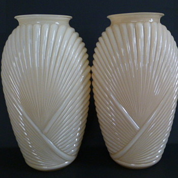 Anchor Hocking Glass ribbed/draped vases - Art Glass