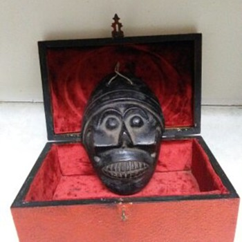 POTTERY MASK - Folk Art