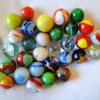 What kind of Marbles are these. I inherited a collection but do not know what they are. - Art Glass