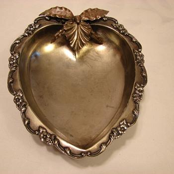 Meriden Quadruple Plate - Silver