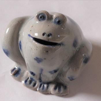 Frog Stoneware Mini Figurine - Figurines