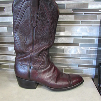 Oh HOw I love these Boots! Please Help Me find their originator!