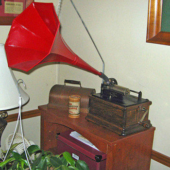 Edison Fireside Model A Cylinder Phonograph - Records