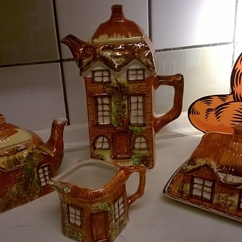 Price Brothers Cottage Ware, 1945/1946, Thrift Shop Find! - Pottery