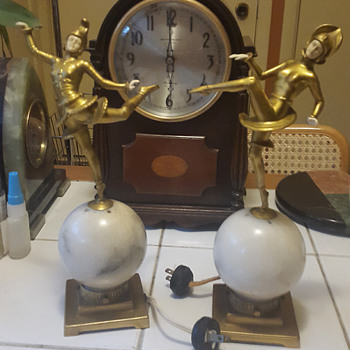 German Art Deco Dancers on Alabaster Globes and Larger Figure Mantle Lamps on Green Onyx 1922-32 - Art Deco