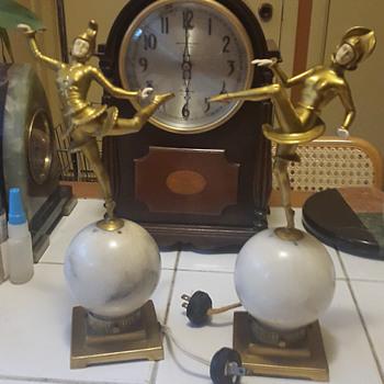 German Art Deoo Dancing Gerdago Dancers on Alabaster Globes and Larger Figure Mantle Lamps on Green Onyx 1922-32 - Art Deco