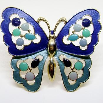 D & E Scalloped Enamel Butterfly Brooch - Animals