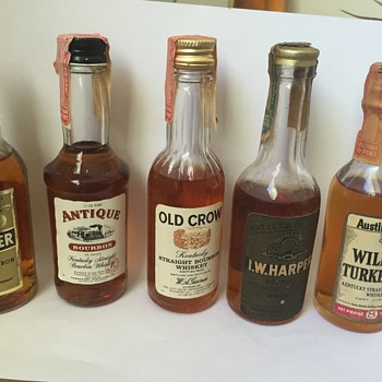 Vintage Miniature Kentucky Straight Bourbon Whiskey Liquor Bottles - Bottles