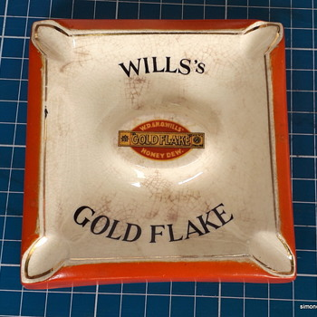 Will's Gold Flake ceramic ashtray.  - Tobacciana