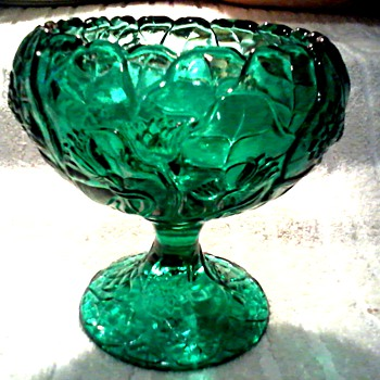 "Fenton Cupped Comport in Emerald / Olde Virginia Glass ""Water Lily"" Pattern /Circa 1970's - Art Glass"