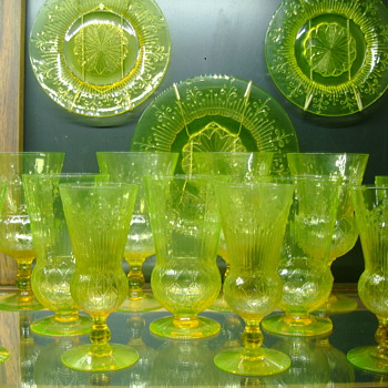 Pukeberg Vasline Goblets and plates Patented by Jules Venon