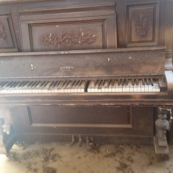 Abandoned Estey Piano - Musical Instruments