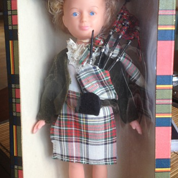 Scottish Bagpiper Girl Doll AUTHENTIC TARTAN CLAN DOLLS - Toys