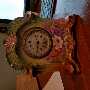 "Vintage Royal Bonn Clock 6"" high x 5-1/2"" wide  Any Info?? - Clocks"