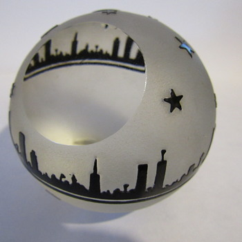 what is it frosted skyline paperweight