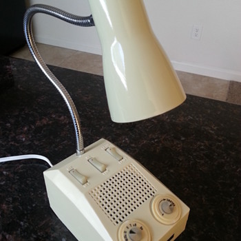 North American AM Transistor radio lamp. - Radios