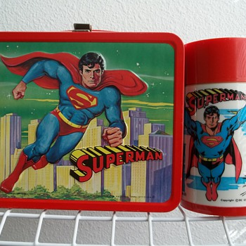 1978 Superman lunch box with bottle. - Kitchen