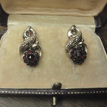 Georgian 14k yellow gold garnet earrings - Fine Jewelry