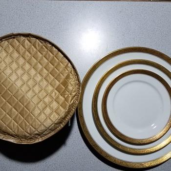 Help me identify this Rosenthal China - China and Dinnerware