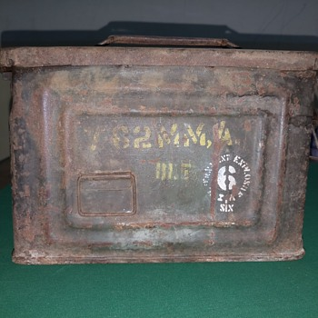 Vintage ammo box - Military and Wartime