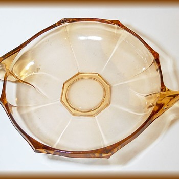 Art Deco Shallow Bowl  == Hermanova Hut Stölzle bowl (Schalen+Teller) - Glassware