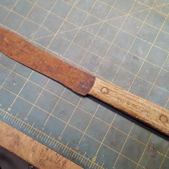 elderly (?) OLD FORGE butcher/carving knive  - Kitchen