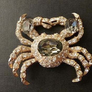 Ciner crab brooch  - Costume Jewelry