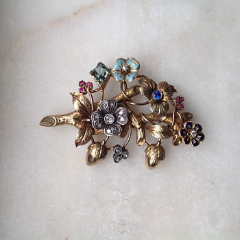 19.2k gold and stones brooch   portuguese jewelry - Fine Jewelry