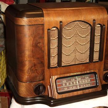 westinghouse  model 683 - Radios