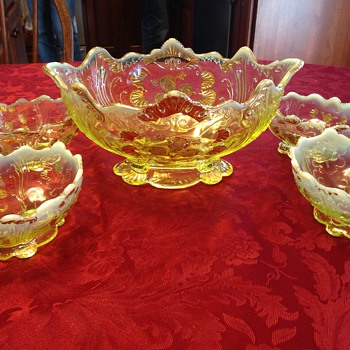Vasoline dessert set with gold gilding - Glassware