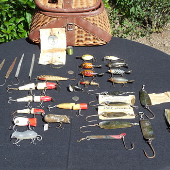 Fishing Creel Full Of Vintage Wooden Lures Flea Market Find(right side)  - Fishing