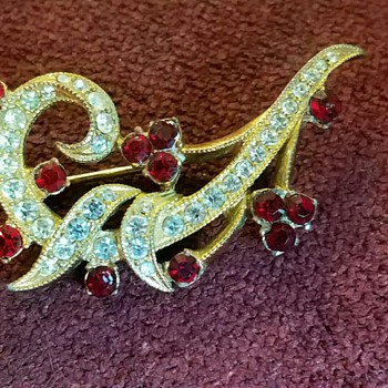 Vintage Bright Red and White Rhinestone Brooch/Pin
