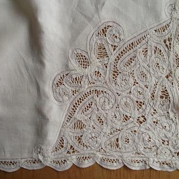 """Vintage 50""""x72"""" Battenburg Lace Tablecloth Creamy Beige"""