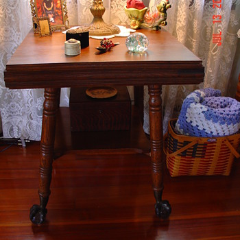 Early 1900's...Ball and Claw Oak Table - Furniture