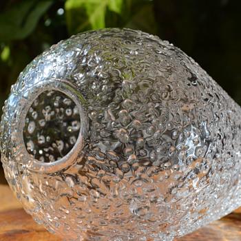 One strange vase..... - Glassware