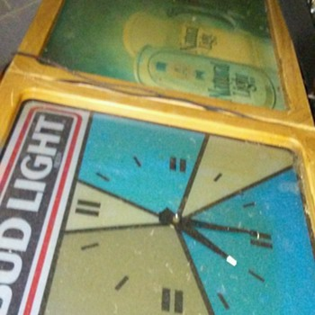 Bud light clock sign