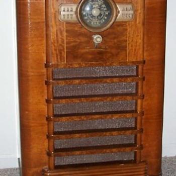 Zenith console radio, Model#10S464 - Radios