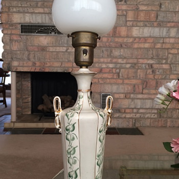Leviton Lamp with Gold and Green China Base, has makers tag on porcelain but unreadable