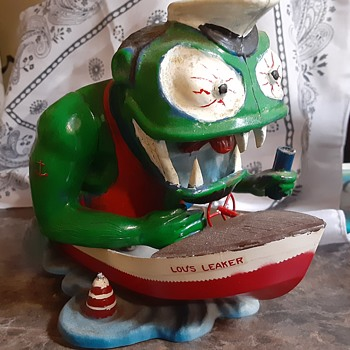 Lou's Leaker - Toys