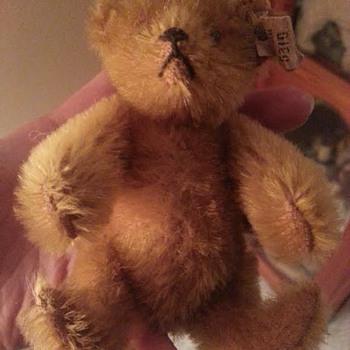 Beautiful tiny pre-war Steiff teddy bear