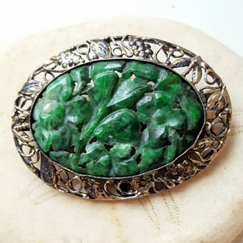 Arts and crafts? Carved jade? Sterling brooch. - Fine Jewelry